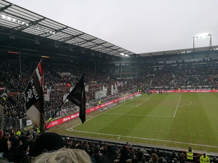 MagischerFC-St.-Pauli-vs.-Eintracht-Braunschweig-Maerz-2018.jpg