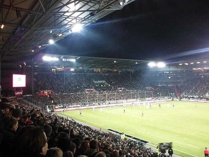 MagischerFC-St.-Pauli-vs.-Karlsruher-SC-Februar-201